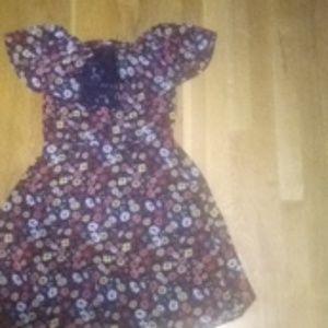 Off-the-shoulder flower dress